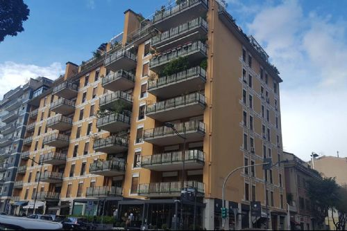 Prestigioso appartamento per Uffici direzionali - 20190110_131324_P.jpg